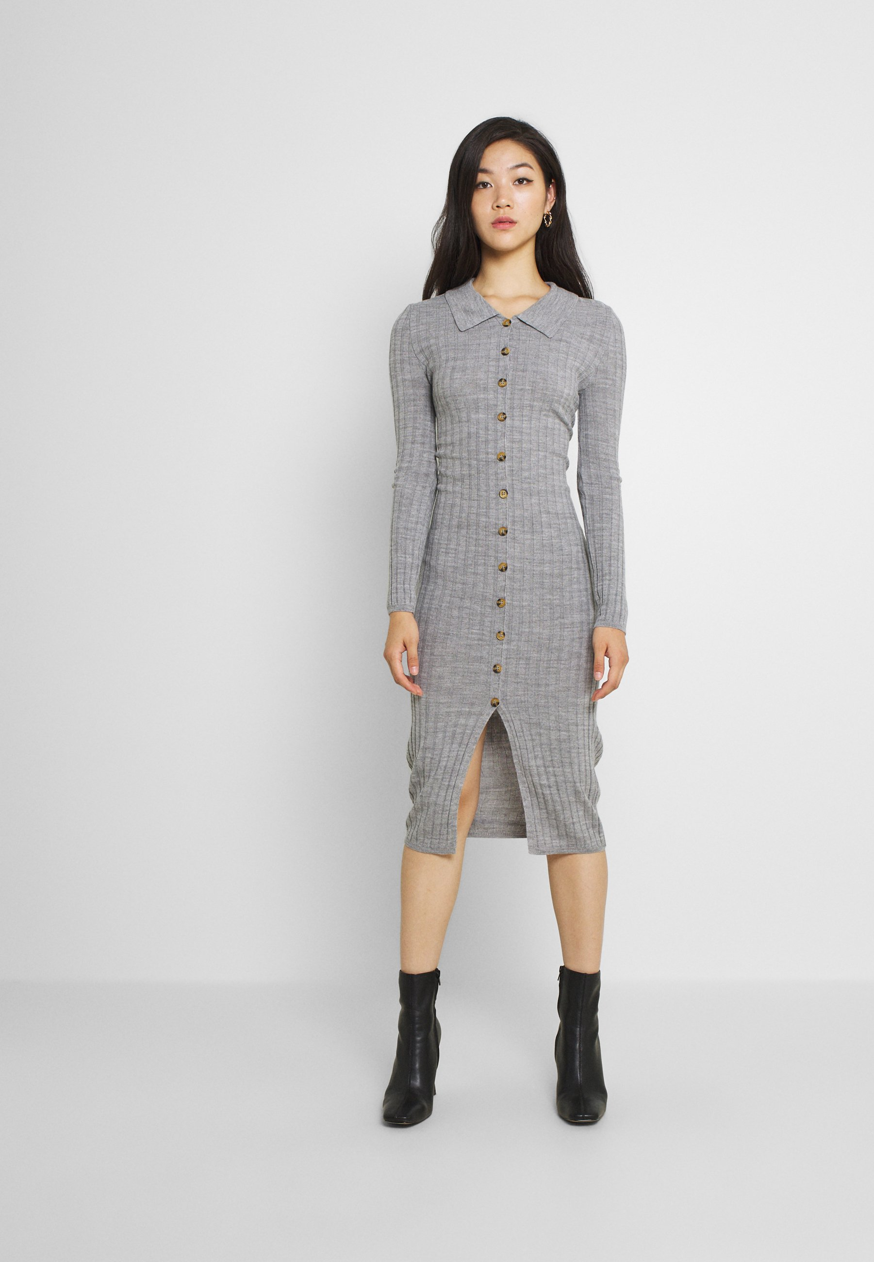 Femme VITINA  BUTTON DRESS - Robe pull