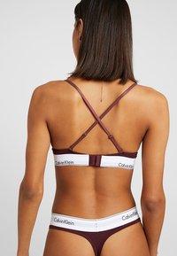 Calvin Klein Underwear - UNLINED - Triangle bra - deep maroon/white - 4