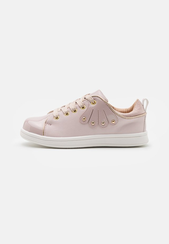 Sneakers laag - light pink