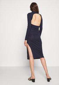 Glamorous Tall - OPEN BACK BODYCON DRESS - Gebreide jurk - navy - 2