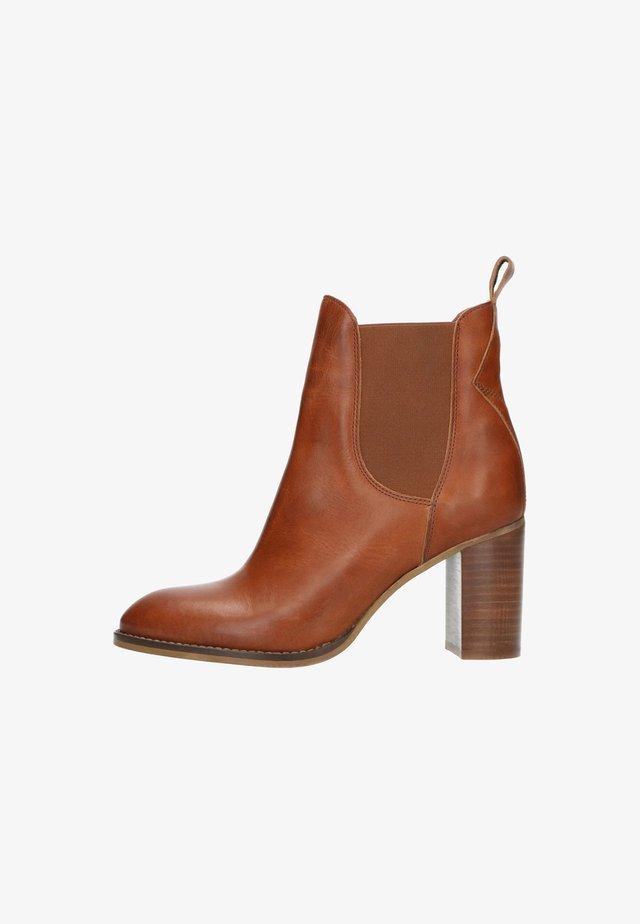 MIT ABSATZ - High heeled ankle boots - cognac