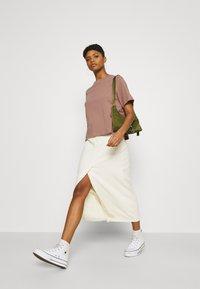 Weekday - TRISH - Basic T-shirt - brown - 3
