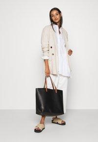 Madewell - TRANSPORT TOTE - Tote bag - true black/brown - 0