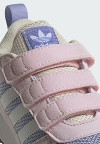 adidas Originals - ZX 700 HD CF C - Trainers - pink - 5