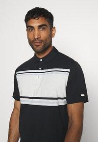 Nike Golf - DRY PLAYER STRIPE - Funkční triko - black/sail/sky grey/silver - 3