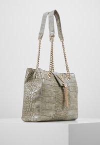 Valentino Bags - AUDREY - Sac à main - grigio - 3