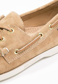 Sebago - DOCKSIDES - Boat shoes - sand - 5