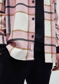 PULL&BEAR - Summer jacket - mottled pink - 5