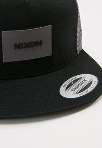 Nixon - TEAM TRUCKER HAT - Kšiltovka - black/charcoal - 4