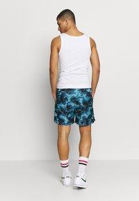 Nike Sportswear - FLOW  - Shorts - cerulean/thunderstorm/white - 2