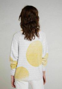 Oui - Jumper - lt grey yellow - 2