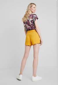 Anna Field - Shorts - dark yellow - 2