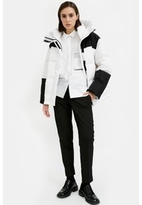 Finn Flare - Down jacket - white - 1