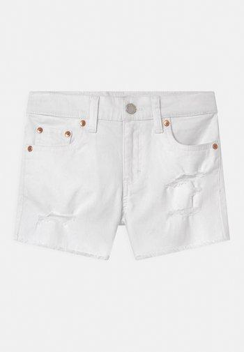 GIRLFRIEND - Shorts vaqueros - white