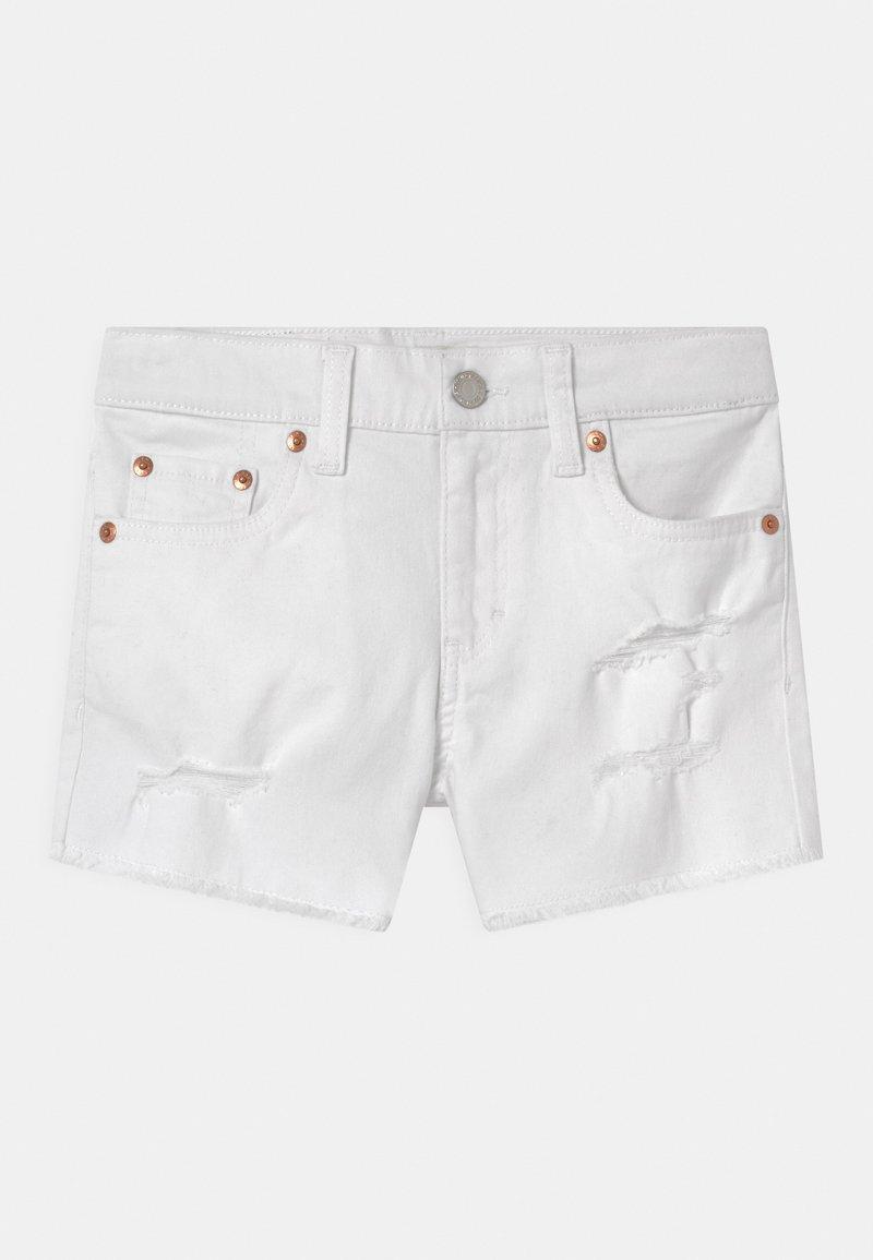 Levi's® - GIRLFRIEND - Džínové kraťasy - white