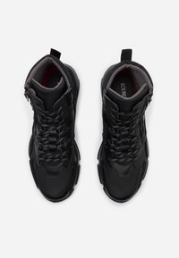 Iceberg - CITY RUN - High-top trainers - midi black - 3