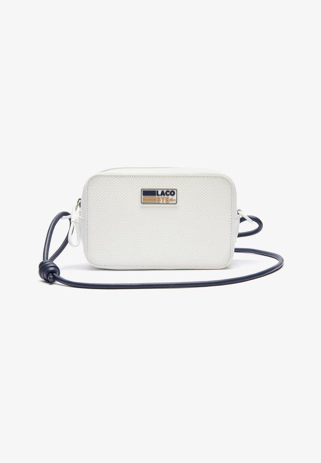 NF3223AP - Sac bandoulière - badge farine marine