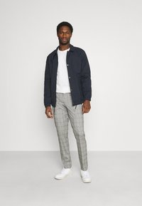 Selected Homme - SLHSUSTAINABLE ICONICS COACH - Summer jacket - sky captain - 1