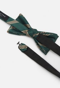 Selected Homme - SLHSULLY TIE BOWTIE BOX SET - Fluga - dark green - 2