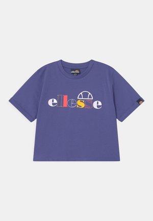 NATTIA - T-shirt con stampa - purple