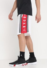 Jordan - BASKETBALL SHORT - Sports shorts - white/gym red/black - 0