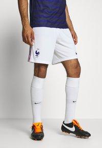 Nike Performance - FRANKREICH FFF SHORT - Short de sport - white/concord - 0