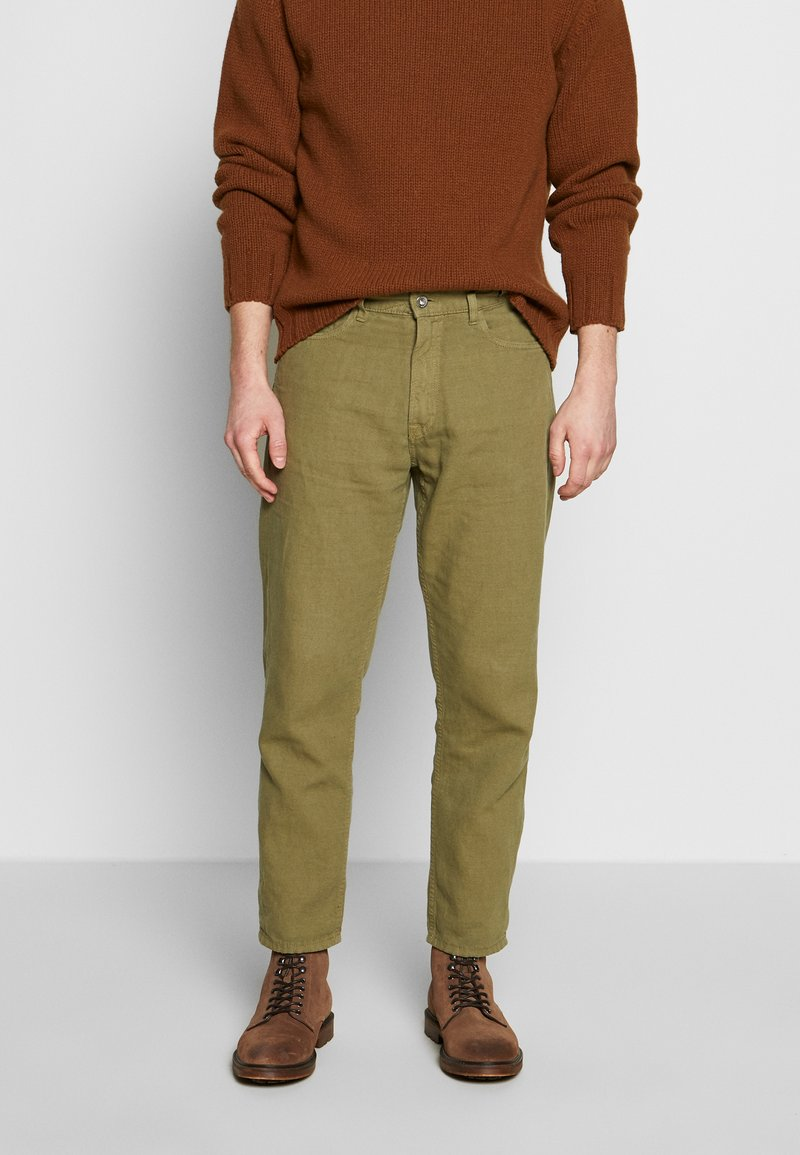 YMC You Must Create - TEARAWAY - Džíny Relaxed Fit - olive