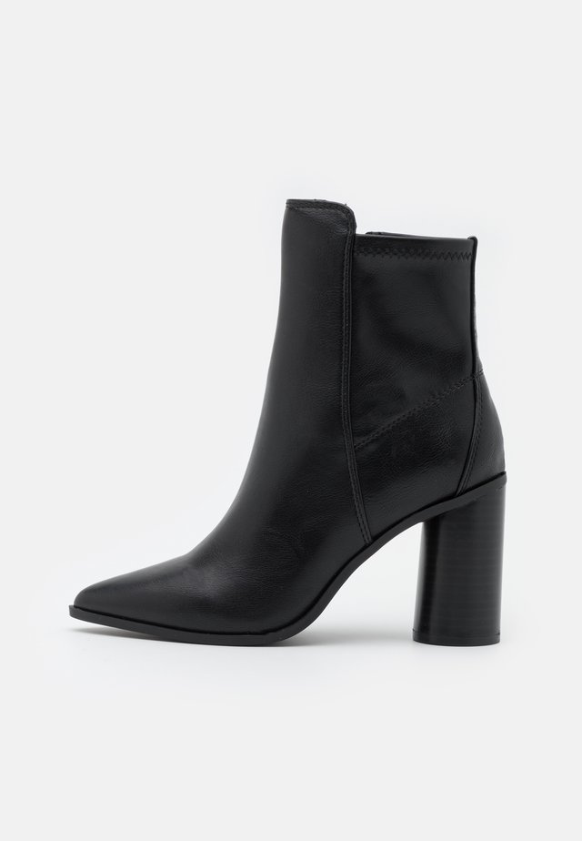 CLOEY - Classic ankle boots - black