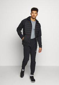 Nike Performance - Sports shirt - smoke grey/light smoke grey/black - 1