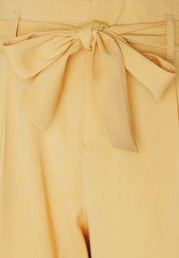 Saint Tropez - ANDREASZ PANTS - Trousers - fall leaf - 2