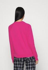 Nike Sportswear - CREW - Sweater - fireberry/white - 2