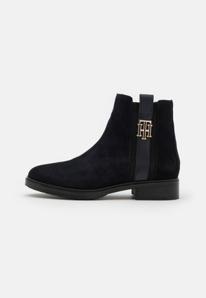 INTERLOCK BOOT - Classic ankle boots - desert sky