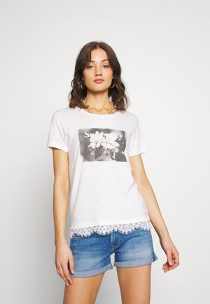 TILLY GRAPHIC TEE - Print T-shirt - chalk white