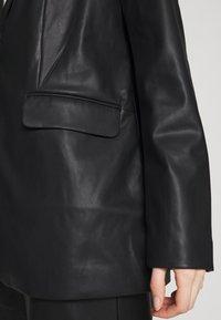 NA-KD - MATIAMU BY SOFIA - Short coat - black - 5