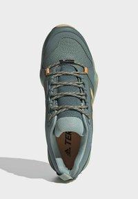 adidas Performance - TERREX AX3 WANDERSCHUH - Fjellsko - green - 3