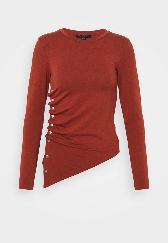 HATTI TEE - Langærmede T-shirts - arabian spice red