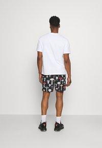 Primitive - ASHBURY BOARDSHORT - Shorts - black - 2