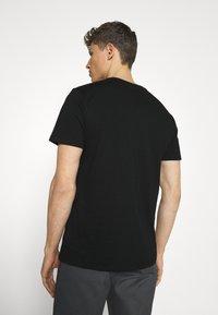 GAP - LOGO DISTRESS - Print T-shirt - true black - 2