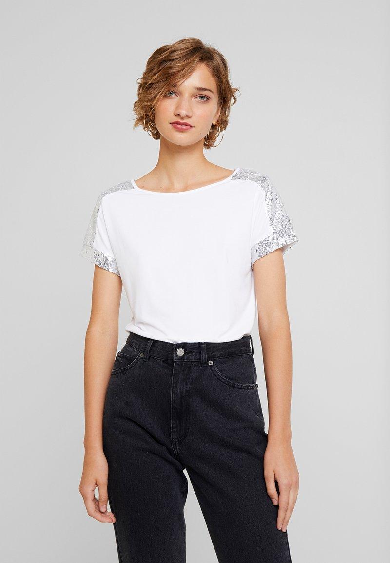 Anna Field - SEQUIN TRIM  - Print T-shirt - white/silver