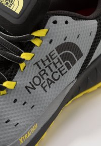 The North Face - M ULTRA ENDURANCE XF - Obuwie do biegania Szlak - griffin grey/black - 5