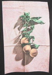 Monki - TOVI TEE - Print T-shirt - black - 6