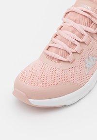 Kappa - SUNEE - Scarpe da fitness - rosé/white - 5