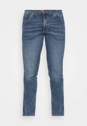LARSTON - Slim fit jeans - sling shot