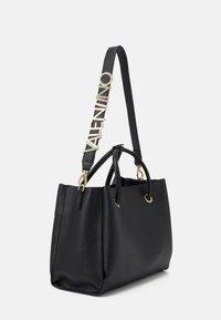 Valentino Bags - ALEXIA - Handbag - nero - 1