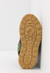 Woden - ADRIAN - Winter boots - pine tree green - 5