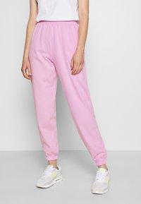 New Look - CUFFED JOGGER - Spodnie treningowe - bright pink - 0