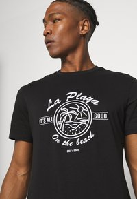 Only & Sons - ONSPINE LIFE TEE - Printtipaita - black - 4