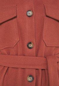 VILA PETITE - VIOLA BELT SHAKET - Short coat - burnt ochre - 2