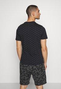 Nike Sportswear - TEE MINI - T-shirt med print - black/grey - 2