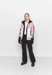 Superdry - FREESTYLE ATTACK JACKET - Ski jacket - soft pink - 1